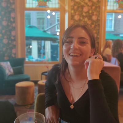 Esmée zoekt een Kamer / Appartement / Studio in Nijmegen